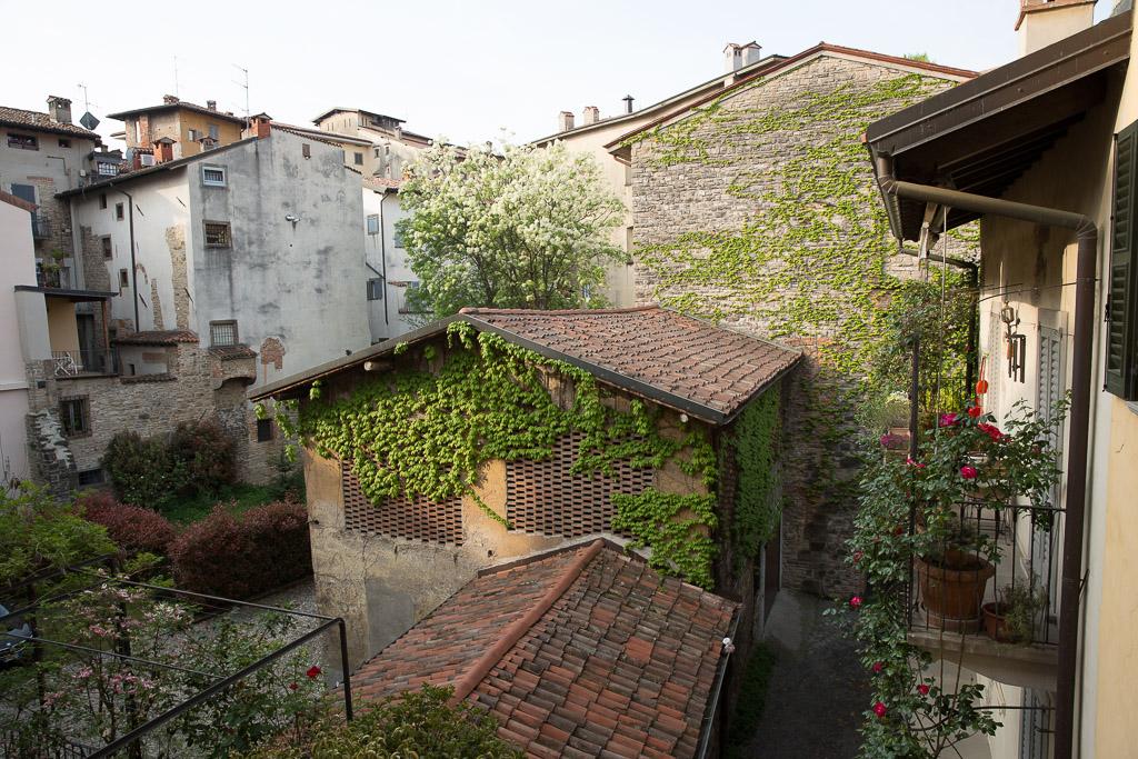 Innergård i Bergamos i Citta Alta