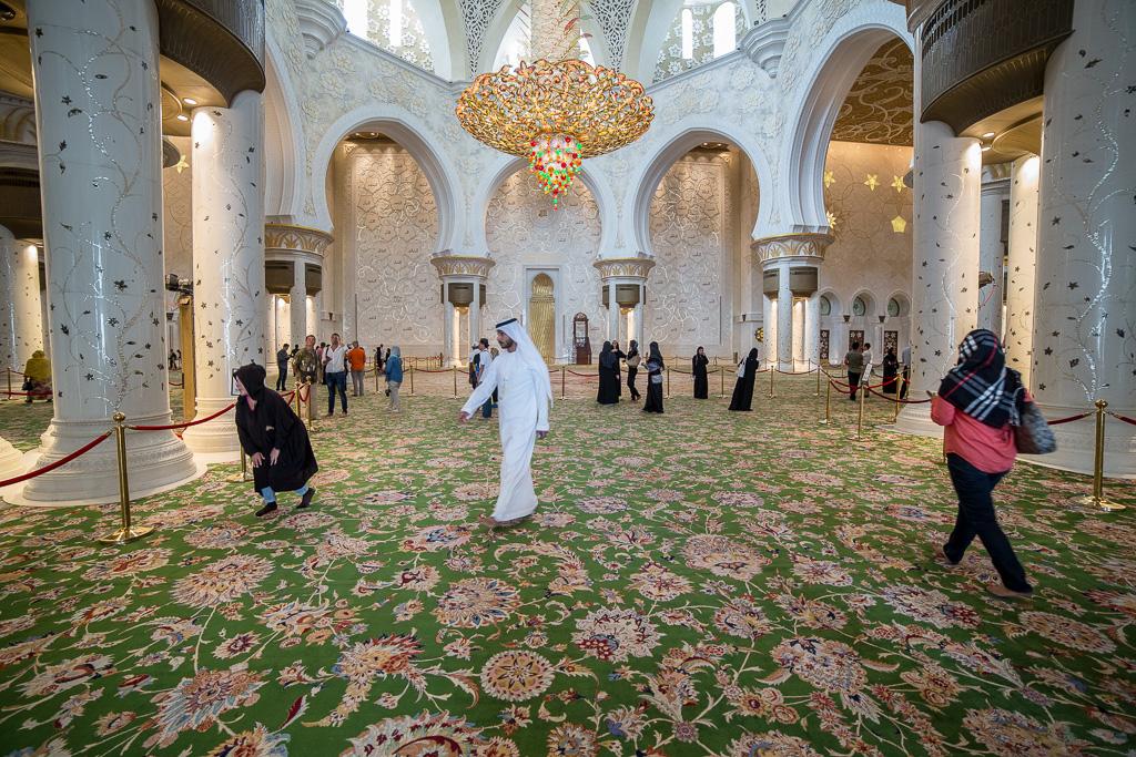 Sheikh Zayed, moskén är öppen för alla