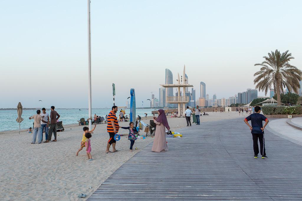 Strandpromenad, corniche, Abu Dhabi