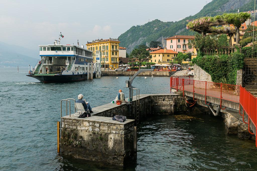 Färja till Varenna, Comosjön