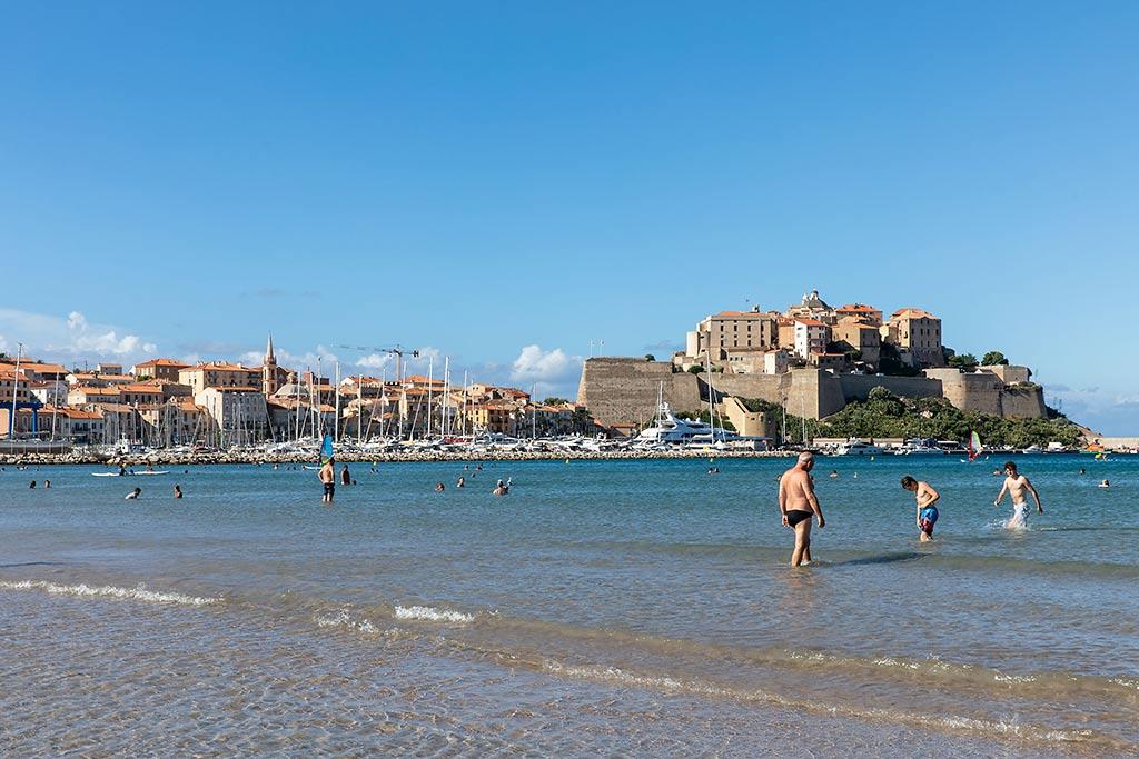 Strand i Calvi, Korsika