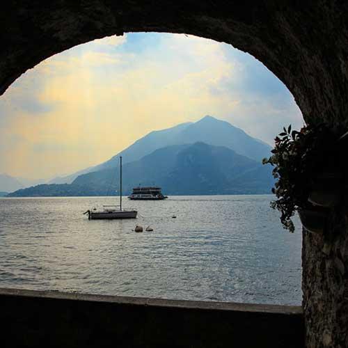 Comosjön, Italien