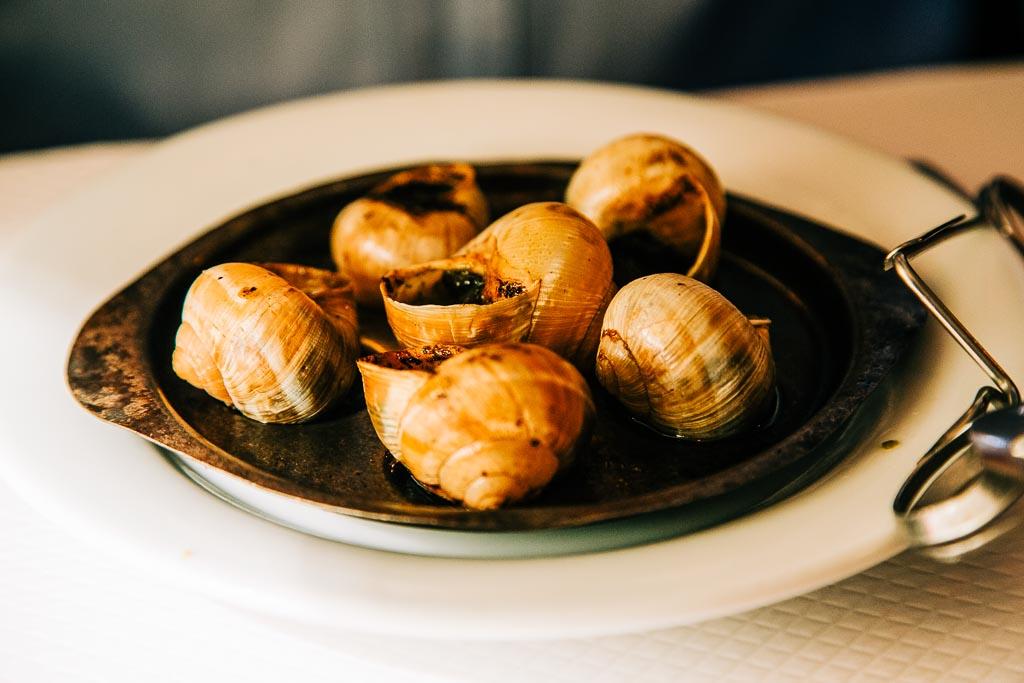 Escargot, sniglar, fransk delikatess