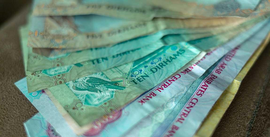 Kontanter eller betalkort i reskassan