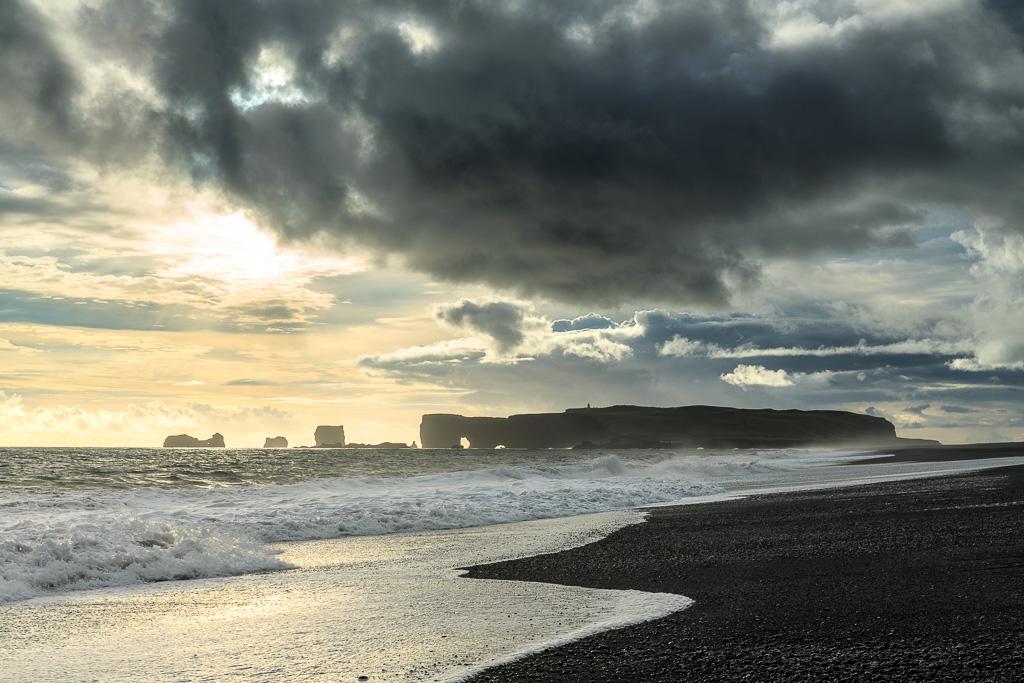 Reynisfjara svart strand på Island